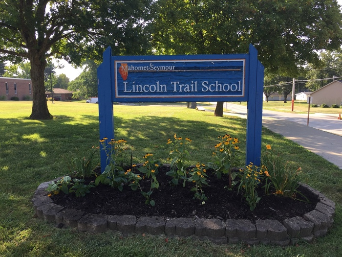 Lincoln Trail Sign