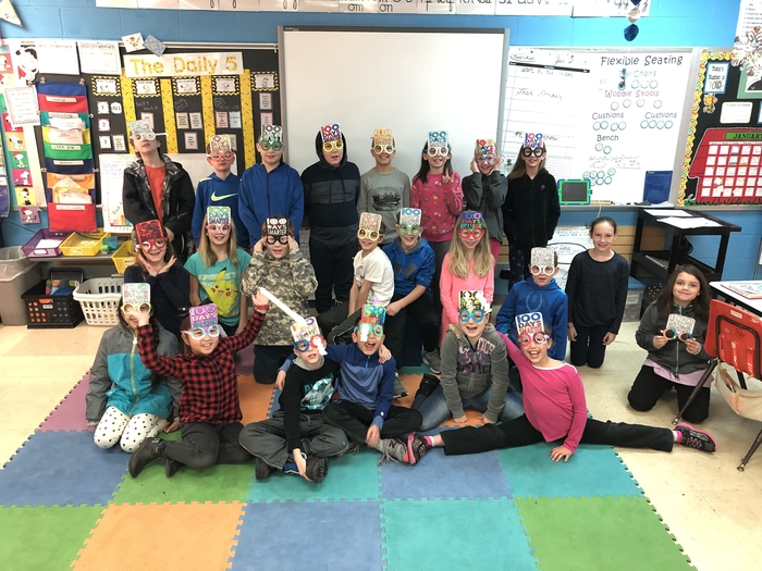 4H celebrates the 100th day of school.